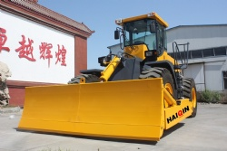 wheel bulldozer HQ220